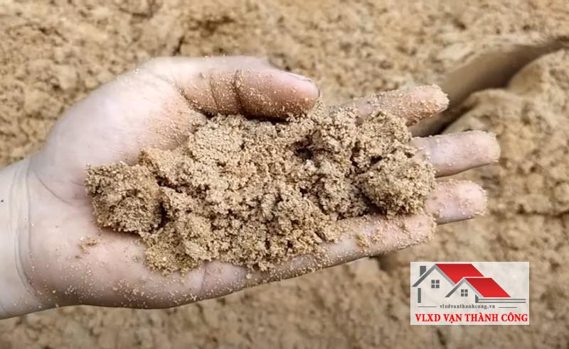 cát xây dựng là vật liệu trộn vữa xây trát, đổ bê tông công trình